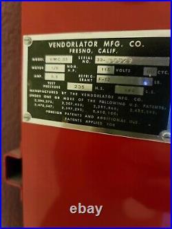 Vintage ALL ORIGINAL PAINT! 1950's COKE Machine! PRISTINE SHOWROOM QUALITY