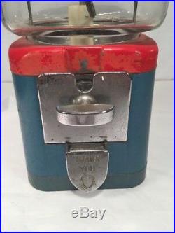 Vintage Acorn Peanut Gumball Machine. Good Condition. 10 Cent