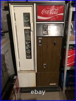 Vintage Antique Cavalier Coke Coca Cola vending machine. Model CSS-8-64