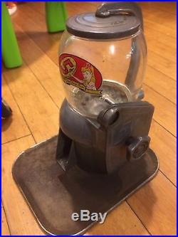 Vintage Art Deco 5 Cent Gumball Peanut Counter Top Metal Vending Machine Gum