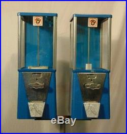 Vintage Astro Oak Double Vending Gum Ball Candy Coin Op Stand up. 25 Machine
