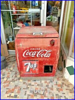 Vintage Coca-Cola/7-Up Machine