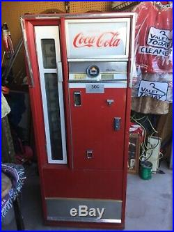 Vintage Coca Cola Bottle Vending Machine