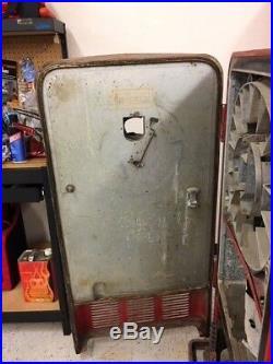 Vintage Coca Cola Machine