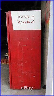 Vintage Coca-Cola Machine Made By Vendo In 1961 All Original Bar Man Cave Nice