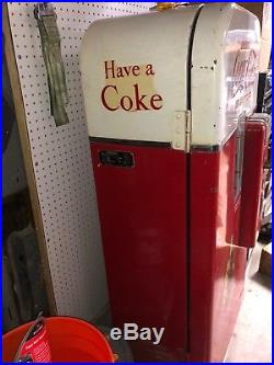 Vintage Coca Cola Machine Vendo 39 All Original BLOWS ICE COLD