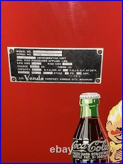 Vintage Coca-Cola Vending Machine Excellent condition