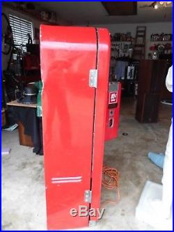 Vintage Coca Cola Vending Machine F39 1950 Or 1951