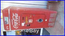 Vintage Coca Cola Vending Machine! WOW! Vendorlator V. M. C. A. 149