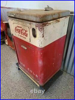 Vintage Coca Cola Vendo 23 Deluxe Vending Machine