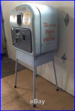 Vintage Coin Operated Pepsi Coke Soda Vending Machine Vendorlator VMC 27 Rare