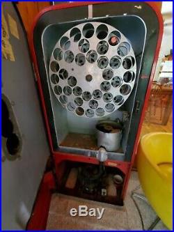 Vintage Coke Machine 1951 Vendo 39. 5 cent coin operated
