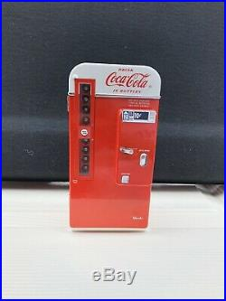 Vintage Coke Mini Machine. Late 50s- Early 60s