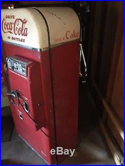 Vintage Coke Vendo 81 Coca Cola Vending Machine