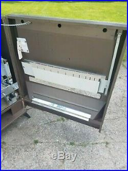 Vintage Federal Candy Vending Machine Pull Style 50s Display Prop Man Cave