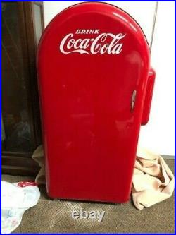Vintage Jacobs 26 Coca Cola Vending Machine. Not Working. Sold As Is