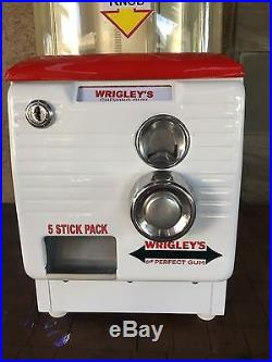 Vintage Northwestern 10 Cent Turn Top Pack Gum Vending Machine Wrigleys Themed