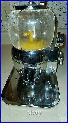 Vintage PELICAN HOUSE brand 25 CENT Nut, Gumball, Candy Countertop Machine with Key