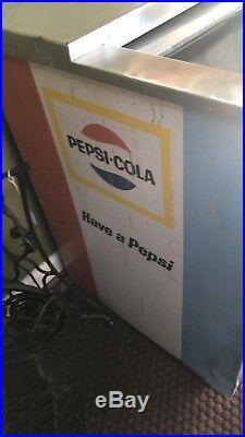 Vintage Pepsi Cola vending machine cooler, Pepsi ice chest