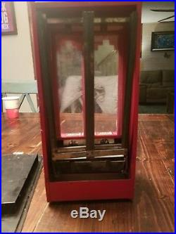 Vintage RED Jolly Good Industries 1¢ Penny Delicious Chewing Gum Machine Excell