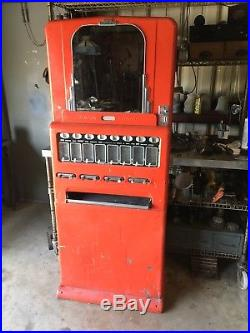 Vintage Univendor Theater Stoner Candy Machine 8 pull Good Working Condition