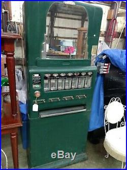 Vintage Univendor Vending Machine. Candy Bar And Gum