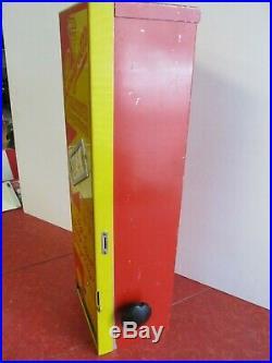 Vintage Venco Candyette Confections Vending Machine, Candy CoinOp 5 cents, 1940s