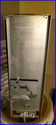 Vintage Venco Candyette Vending Machine, Candy Coin Op 5 cents, 1940's