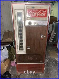 Vintage Vendo Coca-Cola 10 selection machine withlight up sign