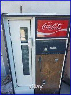 Vintage Vendor Late 1960's-1970's Coca-Cola Coke Vending Machine