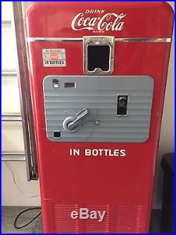 Vintage Vendorlator Coke Machine model 27A, Original Condition, un-restored