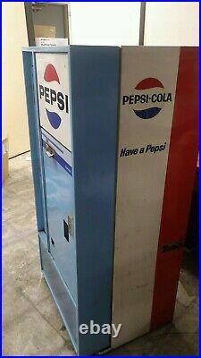 Vintage Vendorlator VFA 56B-C Pepsi Machine, unrestored Works great