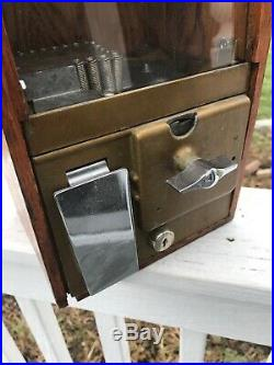 Vintage Victor Baby Grand Gumball Machine 5 Cent Oak Cabinet Candy Counter Top