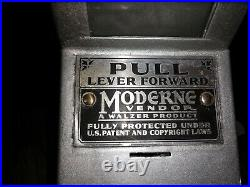 Vintage Walzer 1c Moderne Vendor Wrigley/Hershey Candy Vending Machine