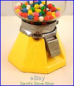 Vintage Yellow Porcelain Base Northwestern Gumball Machine WithLock No Key V013