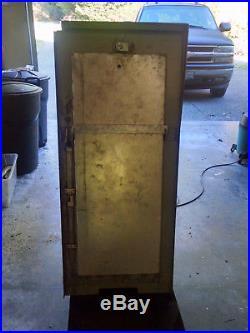 Vintage exhibit supply baseball card vending machine- WORKS