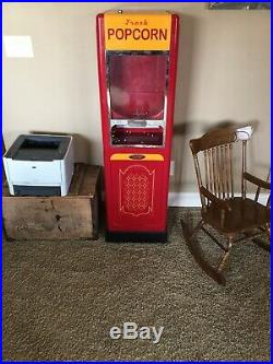 Vintage popcorn vending machine Very Rare And In Working Condition