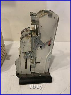 Vtg US POSTAGE STAMPS Vending Machine counter top dime quater 4&5 cent With KEY