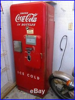 WORKING Vintage Cavalier 10 cent Coke Machine