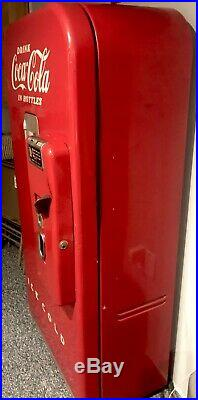 WORKING Vintage Working Cooling Vendo 39 Antique Coke Machine